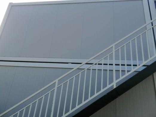 楼梯铁窗空调
